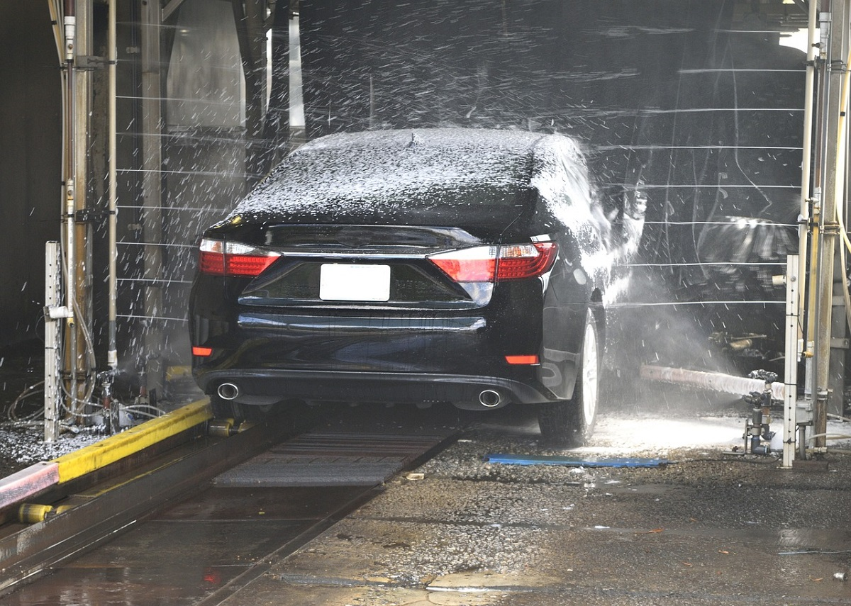 Car wash the ultimate guide to do it yourself bro4u blog giving your car a wash yourself is not difficult if you have some time on your hand you can wash your car and actually enjoy the process solutioingenieria Gallery